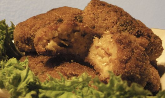 croquetas de arroz con corazón de queso fundido: supplí
