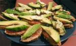 tostadas con avocado