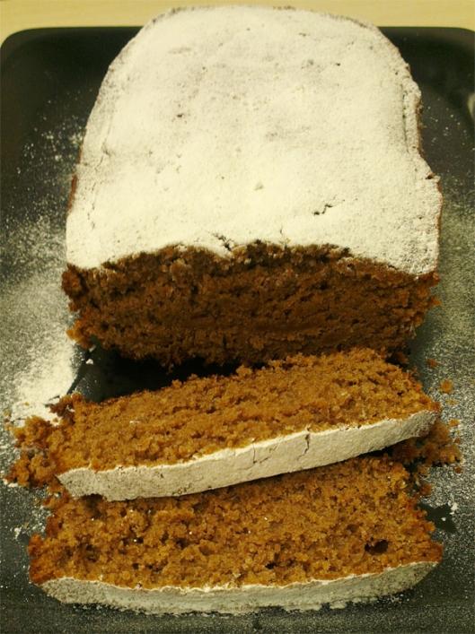 Bizcocho integral de harina de castañas, almendras y avellanas